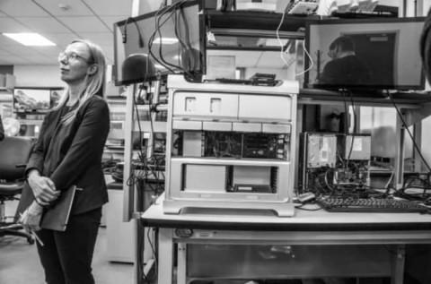 В США создали лабораторию за 10 миллионов долларов для взлома iPhone Apple, iPhone, Лаборатория, США, Новости, Длиннопост