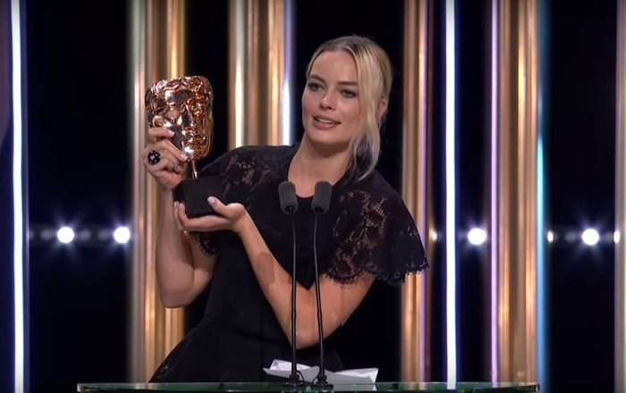 Шутка Брэда Питта в исполнении Марго Робби на церемонии BAFTA