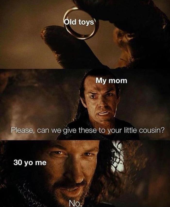 Когда родители говорят отдать твои старые игрушки маленькому кузену