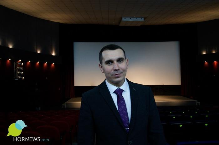 Я и директор, и дворник, и киномеханик мужчина спасает кинотеатр своего детства от банкротства