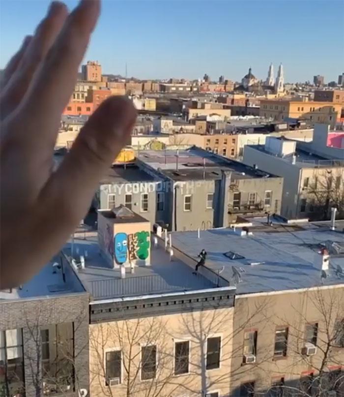 Свиданию на крыше карантин не помеха