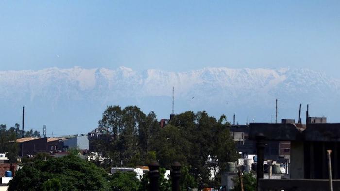 Жители Индии проснулись и увидели гималайские вершины