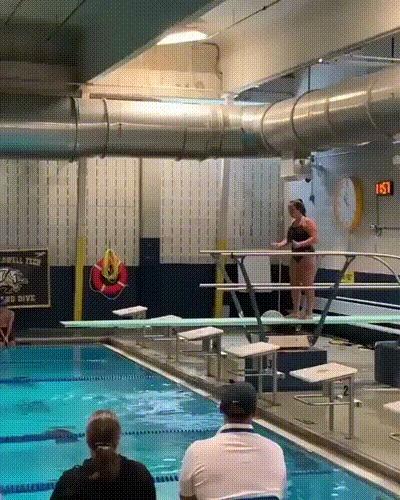 Это самый идеальный прыжок в воду, который я видел, 10 из 10! Прыжки в воду, Девушки, Идеально, Спорт, Бассейн, Fail, Падение, Гифка, Видео