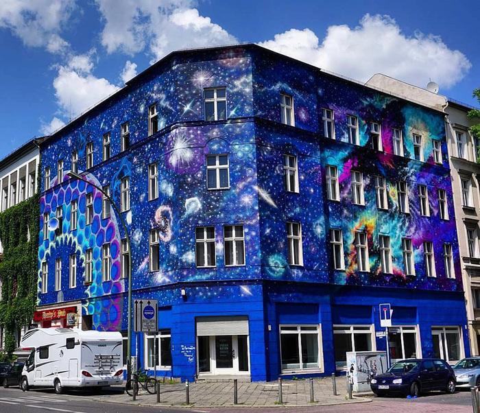 Красивое здание.Городской музей современного искусства в Берлине