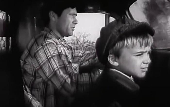 Как в СССР водитель грузовика зарабатывал больше инженера. Советский роадмуви Фильмы, СССР, Зарплата, Ностальгия, Советское кино, Отечественный Автопром, Грузовик, Василий Шукшин, Длиннопост, Актеры и актрисы