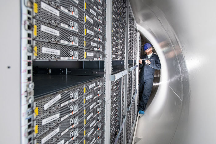В Microsoft заявляют, что испытания подводного датацентра прошли успешно Microsoft, Датацентр, Подводное, Исследования, Техника, Технологии, Компьютер, Длиннопост