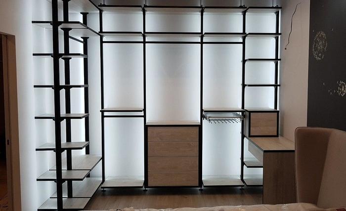 Оригинальная идея подсветки в гардеробной