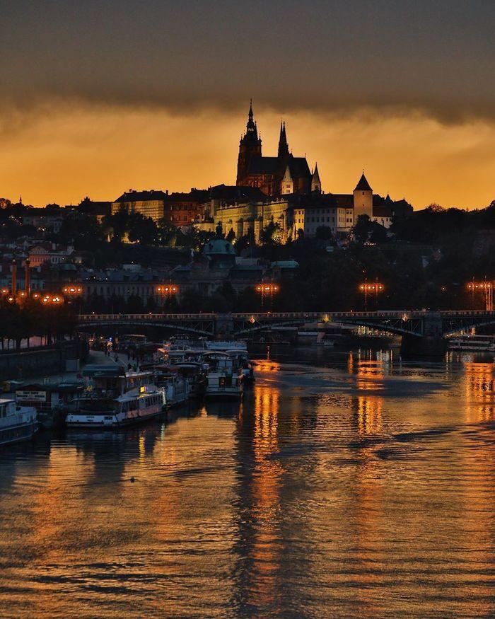 Вечерний Пражский Град