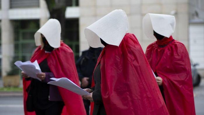 Ответ на пост Ад для женщин. В Польше фактически запретили аборты