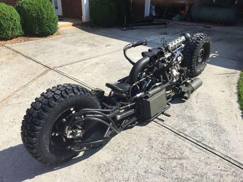 Дизельный полноприводный мотоцикл