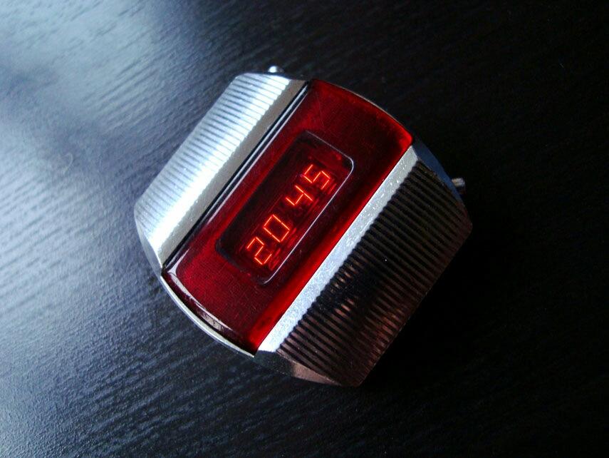 """Как сделать часы в стиле советской """"Электроники"""""""