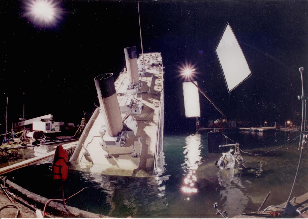 Как снимали титаник 3 в губка боб игра рыцарь