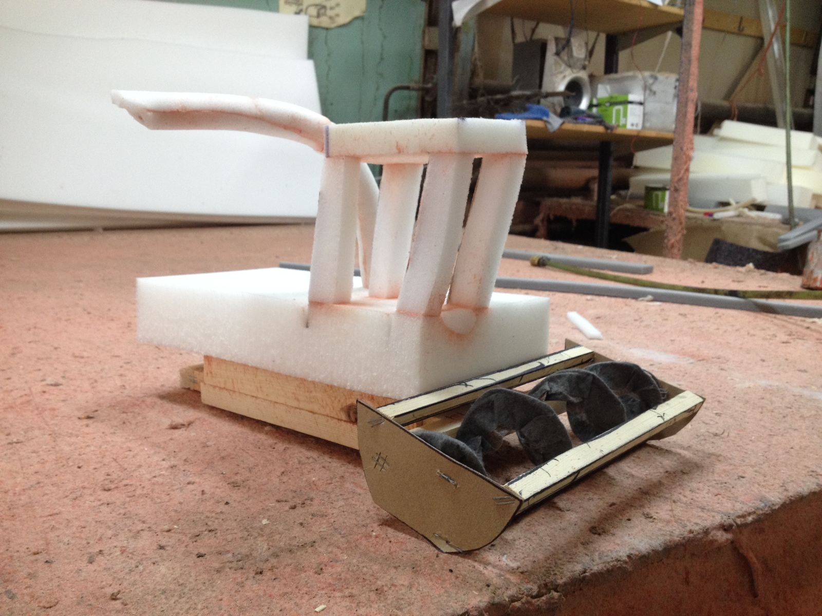Как сделать игрушку из поролона фото 323