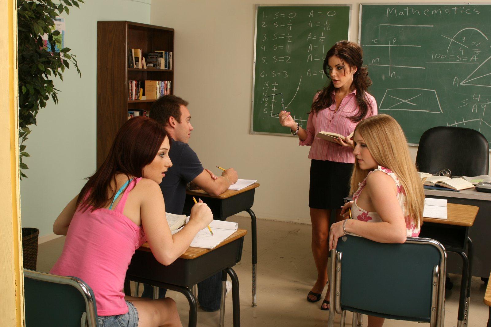 Фото секса на переменах в школе, Школьное порно фото с училками 18 фотография