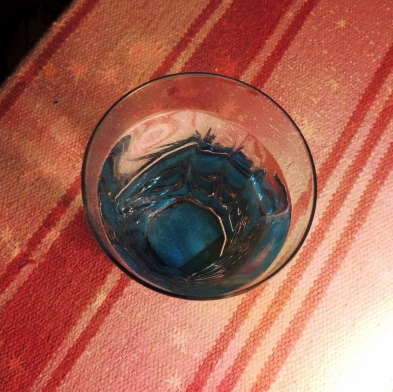 третий день пьем ваше здоровье