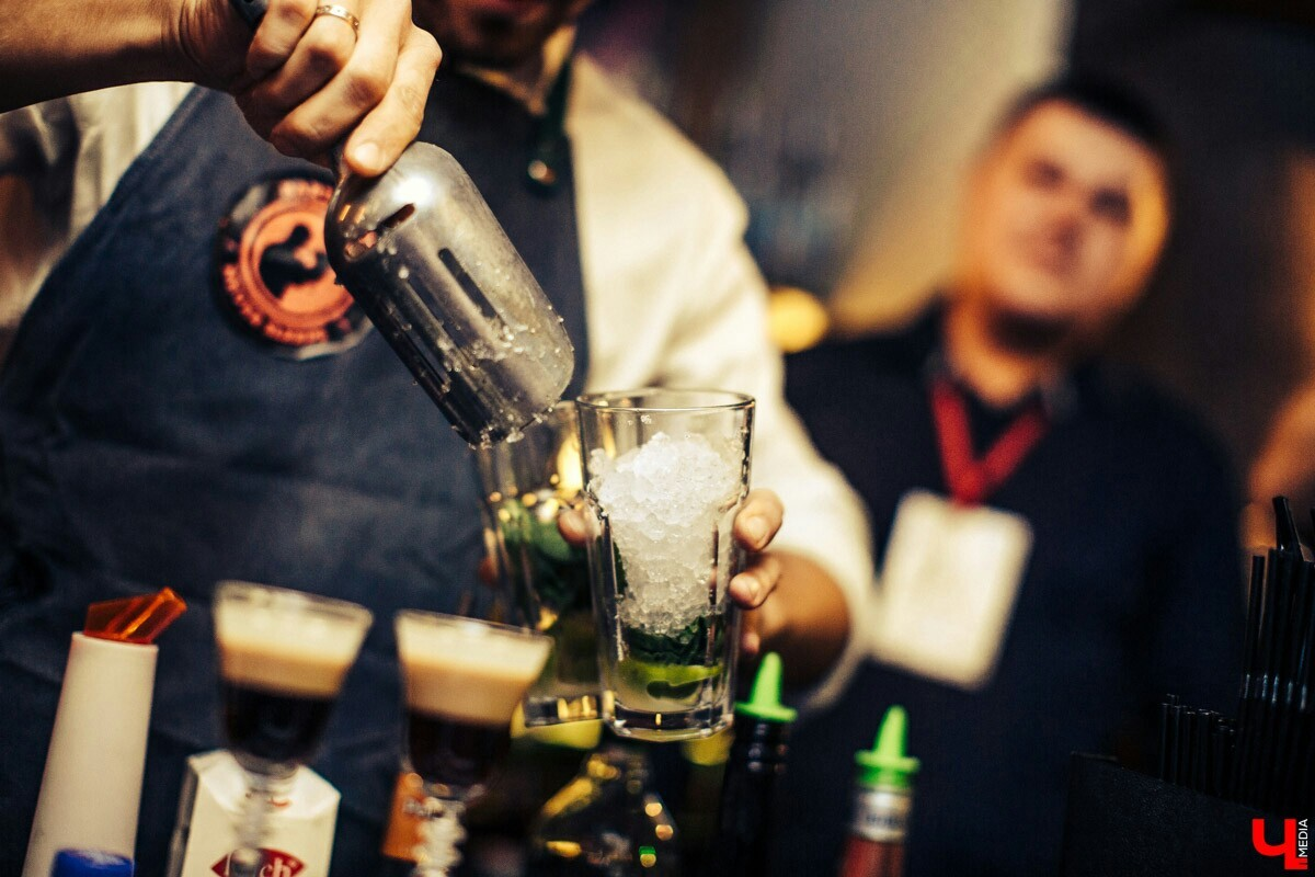 Картинки по запросу бармен