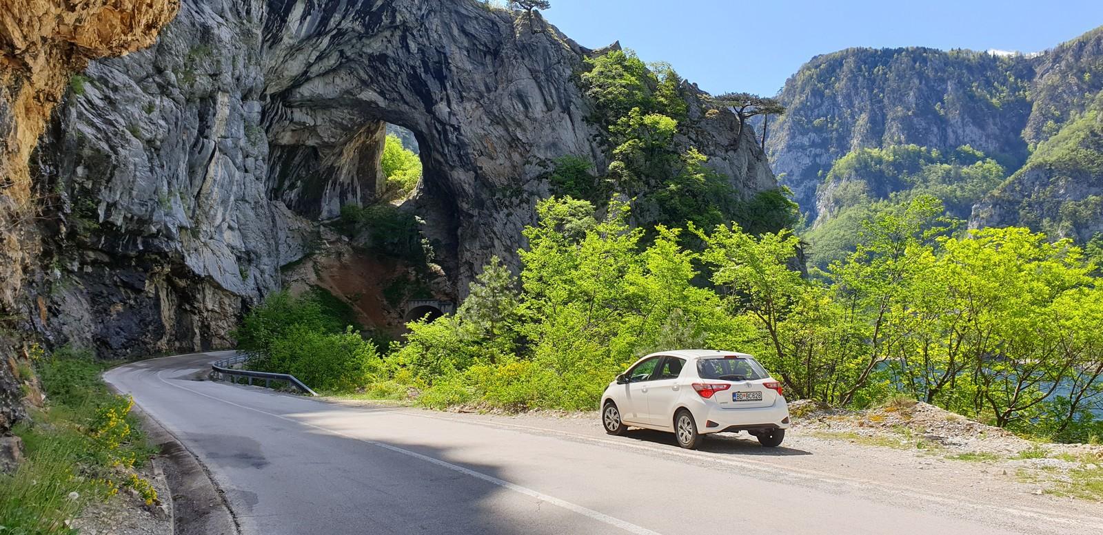по Черногории на авто