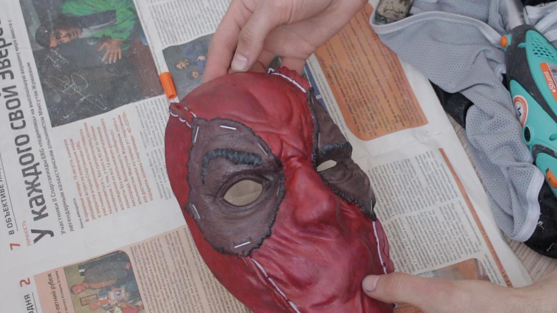 Обои пистолет, маска, Deadpool. Фантастика foto 3