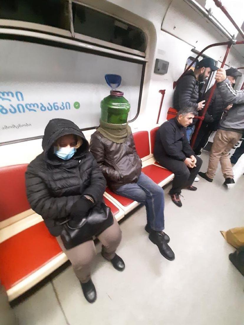 В Тбилисском метро | Пикабу